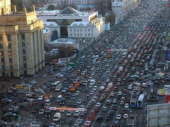 Пробки хотят победить платным въездом в города
